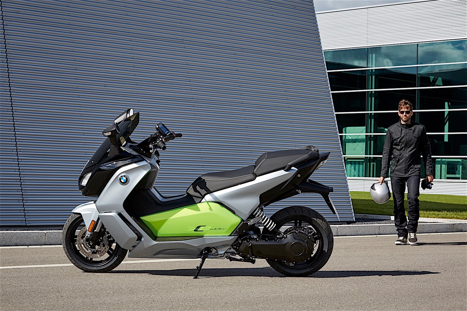 All-Electric 2018 BMW C Evolution Scooter Reaches U.S ...