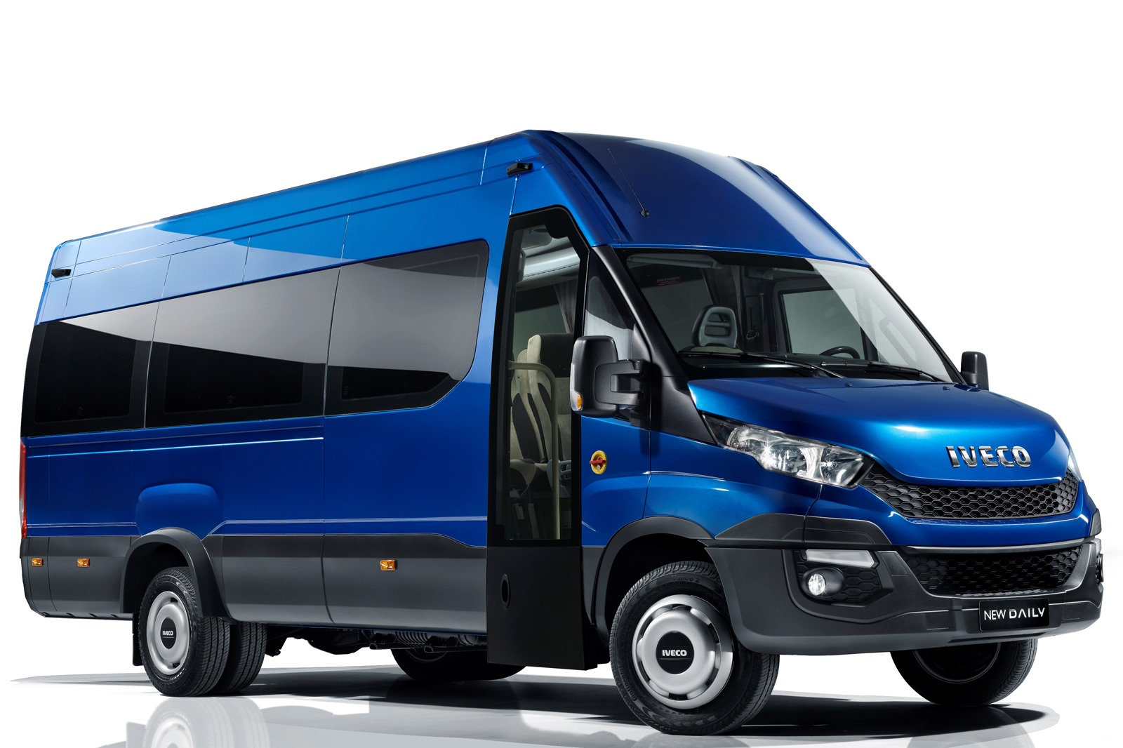 All-New 2014 Iveco Daily Breaks Cover - autoevolution Daily