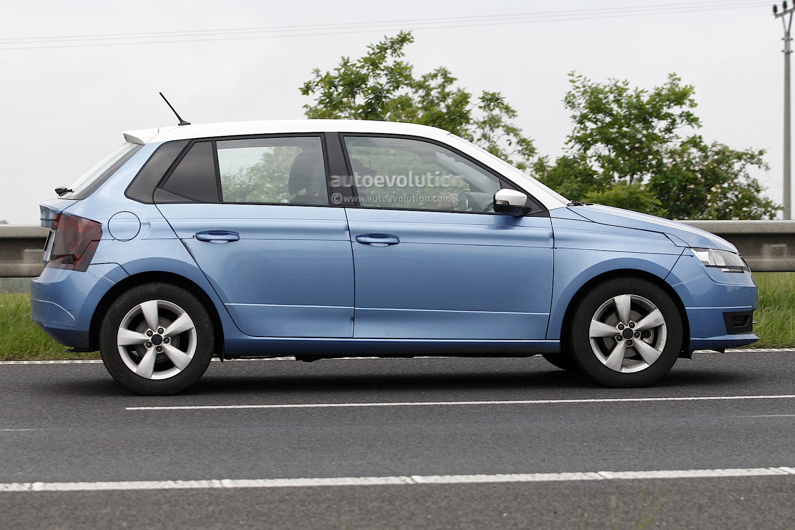 Cars Com Reviews >> All-New 2014 Skoda Fabia Spotted Almost Undisguised ...