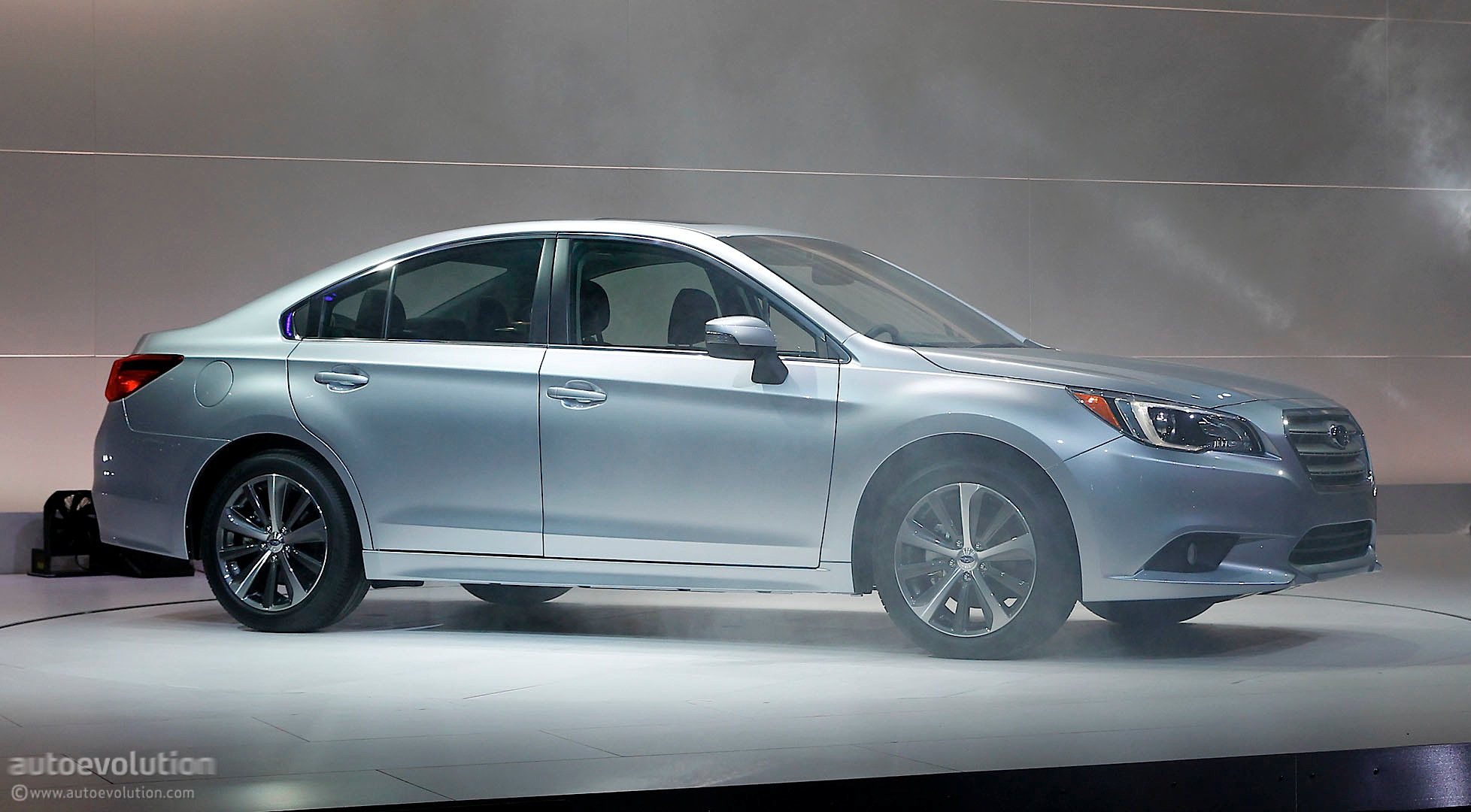 all new 2015 subaru legacy officially revealed in chicago autoevolution. Black Bedroom Furniture Sets. Home Design Ideas
