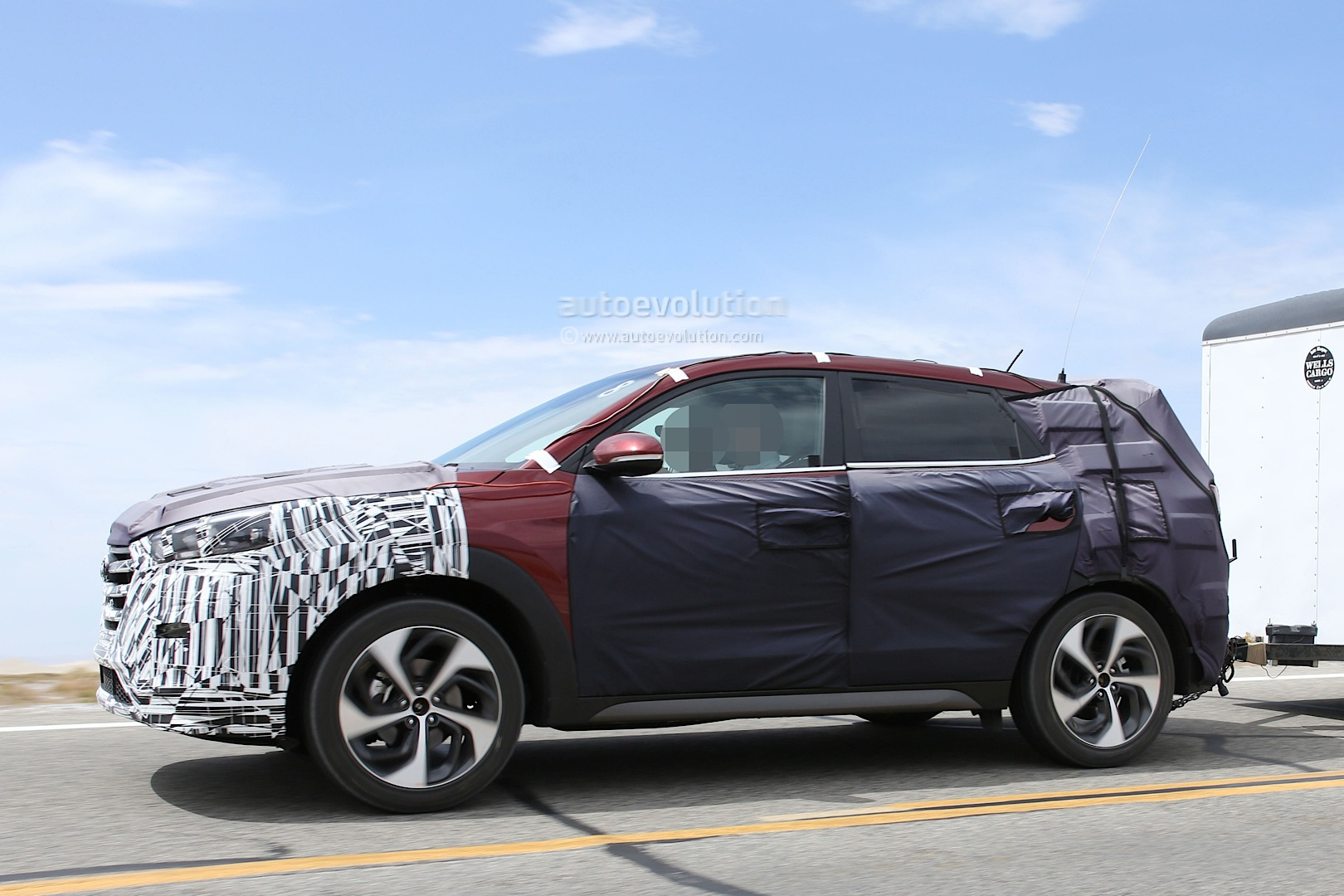 2015 - [Hyundai] Tucson III All-new-2016-hyundai-tucson-spied-with-less-camouflage-in-america-photo-gallery_14
