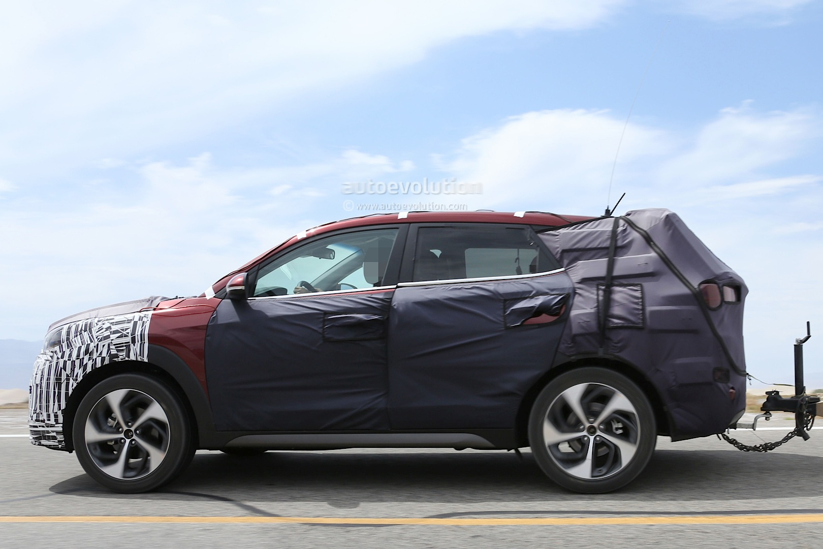 2015 - [Hyundai] Tucson III All-new-2016-hyundai-tucson-spied-with-less-camouflage-in-america-photo-gallery_15