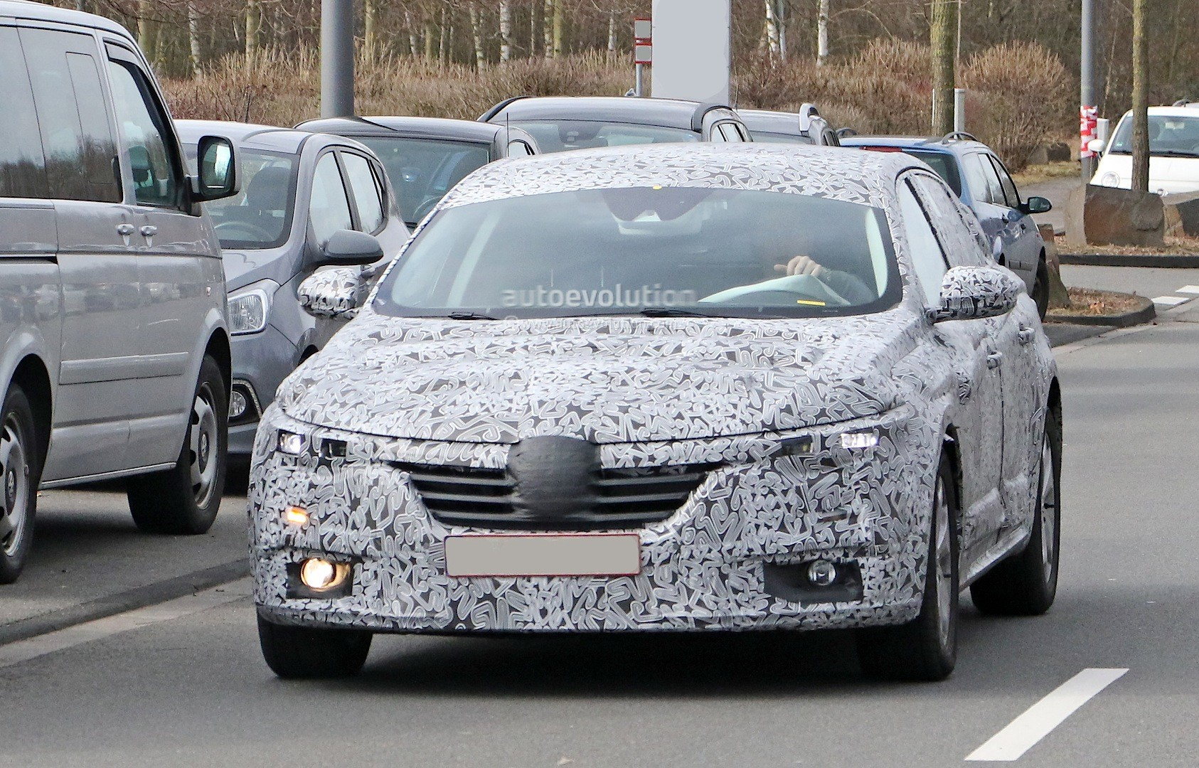 all new renault laguna flagship sedan spied for the first time will debut in summer 2015. Black Bedroom Furniture Sets. Home Design Ideas