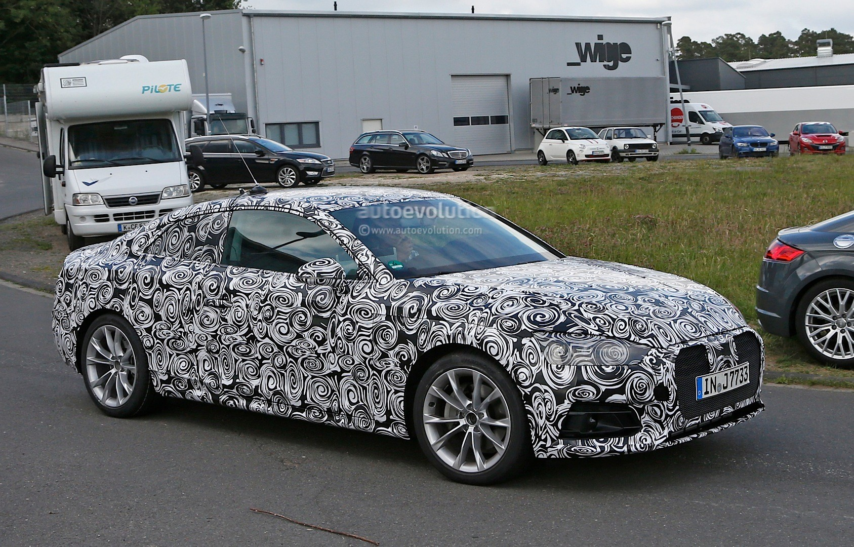 first spy photos of 2017 audi a5 coupe show wider sexier. Black Bedroom Furniture Sets. Home Design Ideas