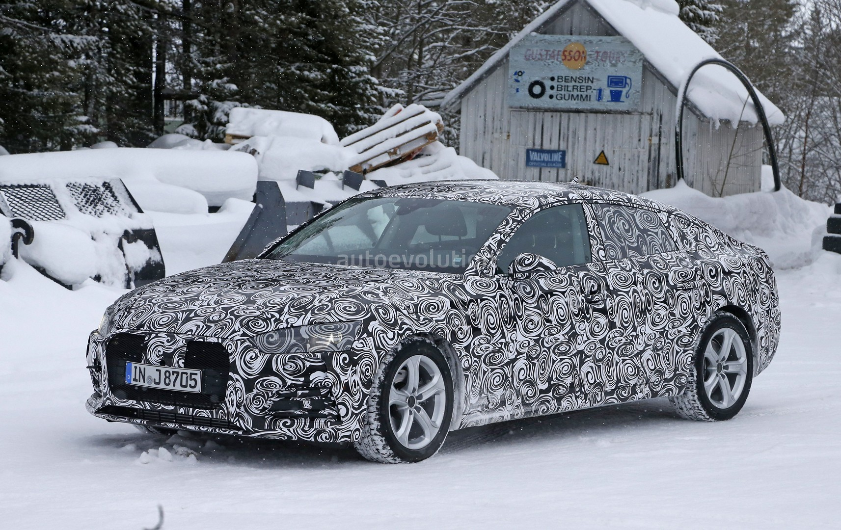 all new 2017 audi a5 sportback 4 door coupe spied for the first time autoevolution. Black Bedroom Furniture Sets. Home Design Ideas