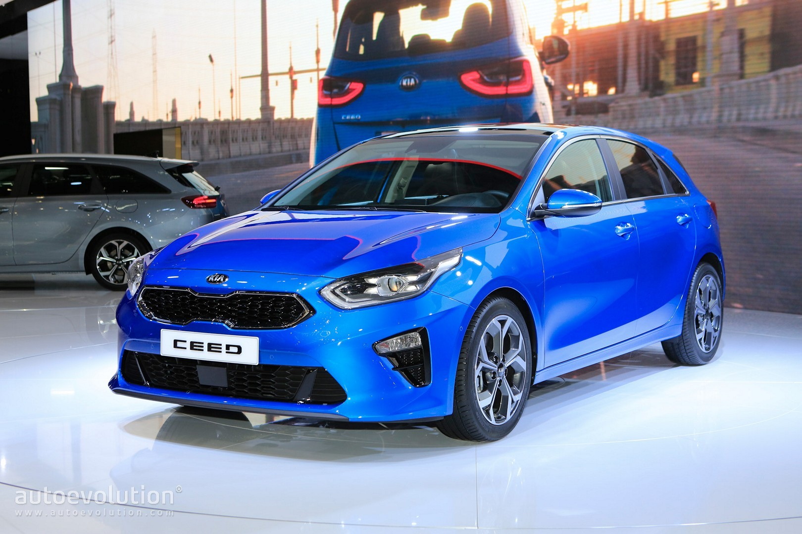 all new 2019 kia ceed wagon joins hatchback in geneva. Black Bedroom Furniture Sets. Home Design Ideas