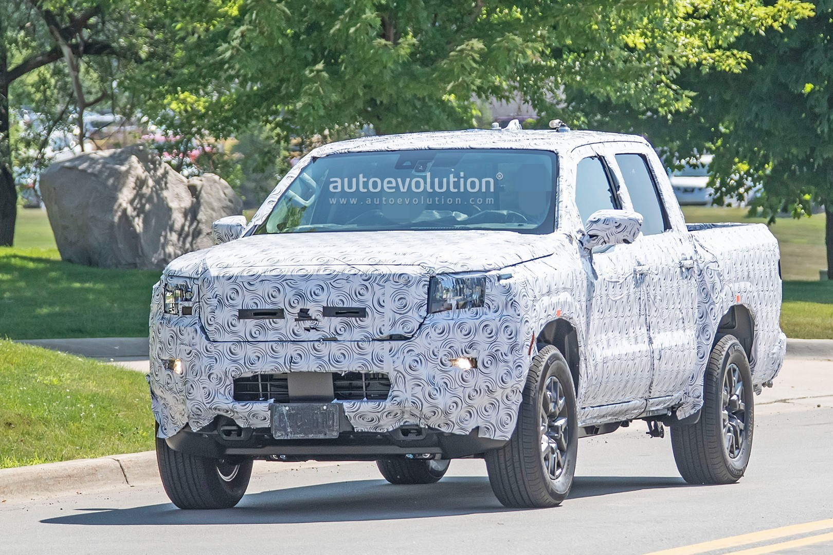 all-new 2021 nissan frontier makes spyshots debut in full