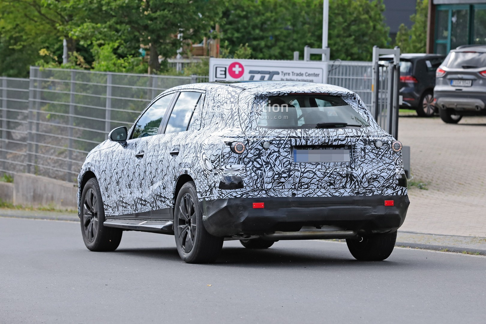 2021 - [Mercedes-Benz] GLC II - Page 2 All-new-2022-mercedes-glc-class-spied-getting-to-be-the-king-of-cuvs_19