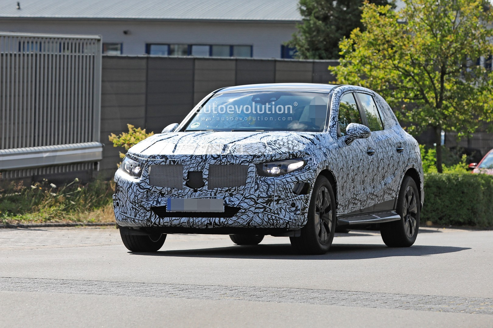 2021 - [Mercedes-Benz] GLC II - Page 2 All-new-2022-mercedes-glc-class-spied-getting-to-be-the-king-of-cuvs_2