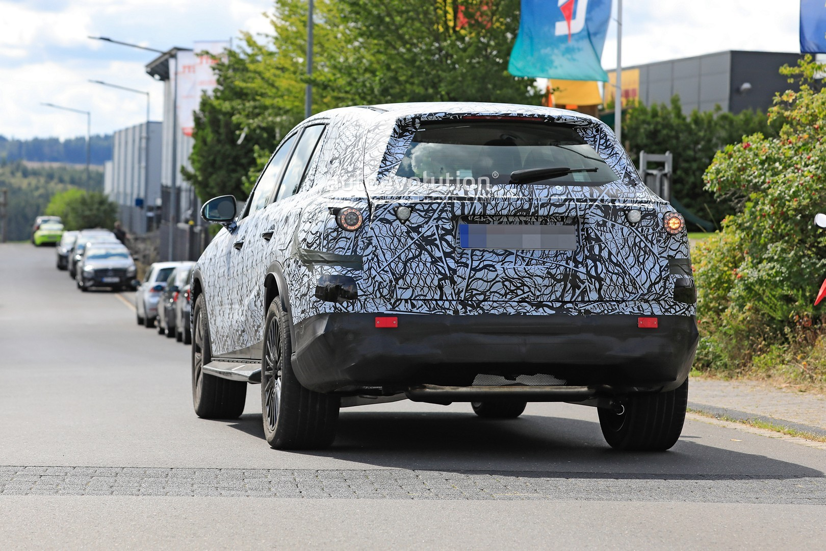 2021 - [Mercedes-Benz] GLC II - Page 2 All-new-2022-mercedes-glc-class-spied-getting-to-be-the-king-of-cuvs_22