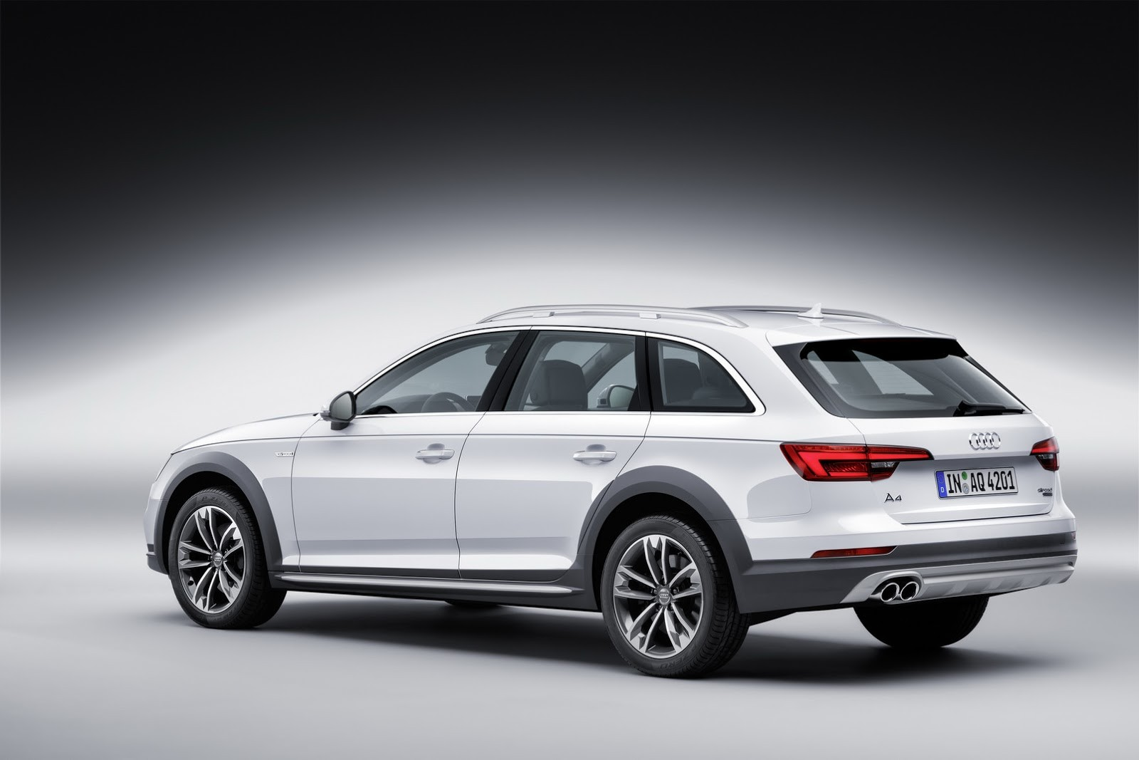 all new audi a4 allroad quattro available from 44 750 with 2 0 and 3 0 engines autoevolution. Black Bedroom Furniture Sets. Home Design Ideas