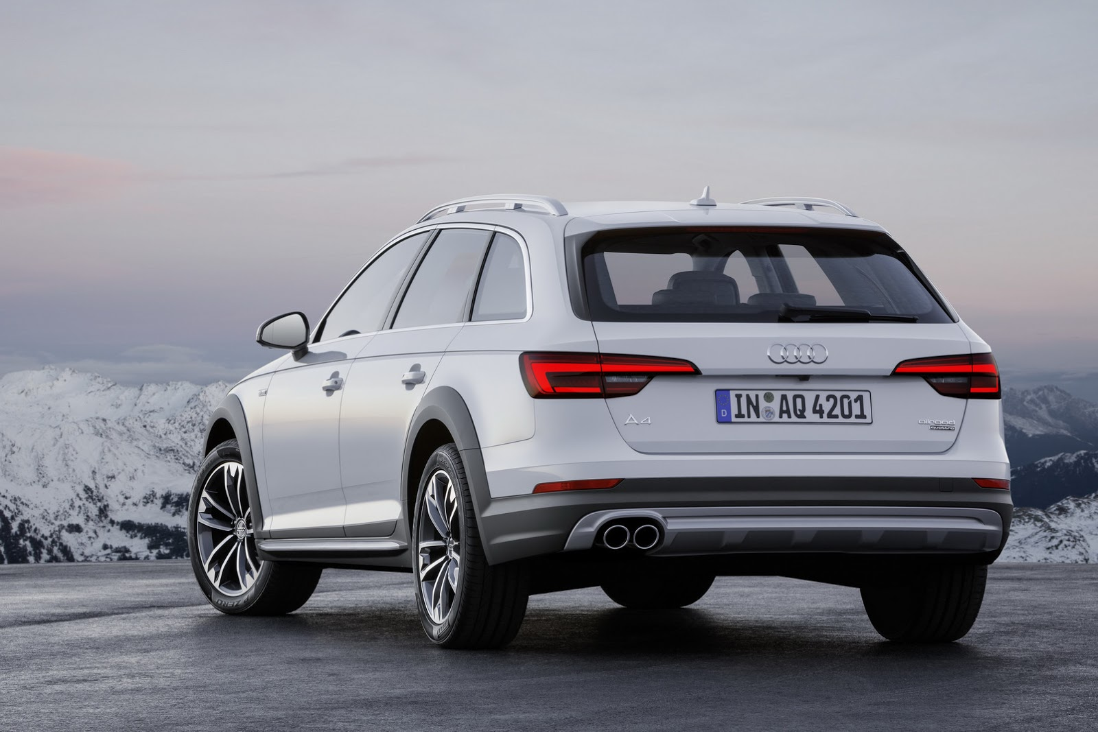 all new audi a4 allroad quattro available from 44 750. Black Bedroom Furniture Sets. Home Design Ideas