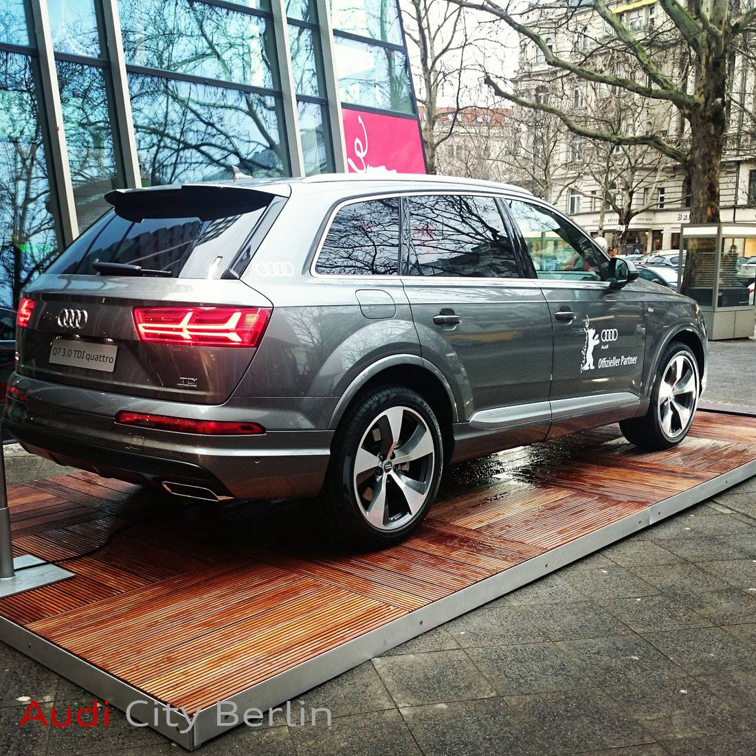2015 Audi Q7 Photoshoped into Existence, Shows Next Chapter of Audi Design - autoevolution