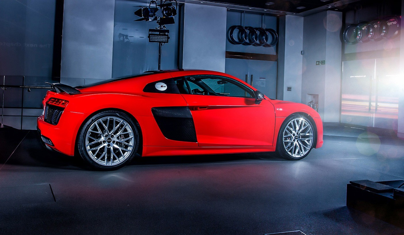 all-new audi r8 launching in britain: v10 supercar costs 911 turbo