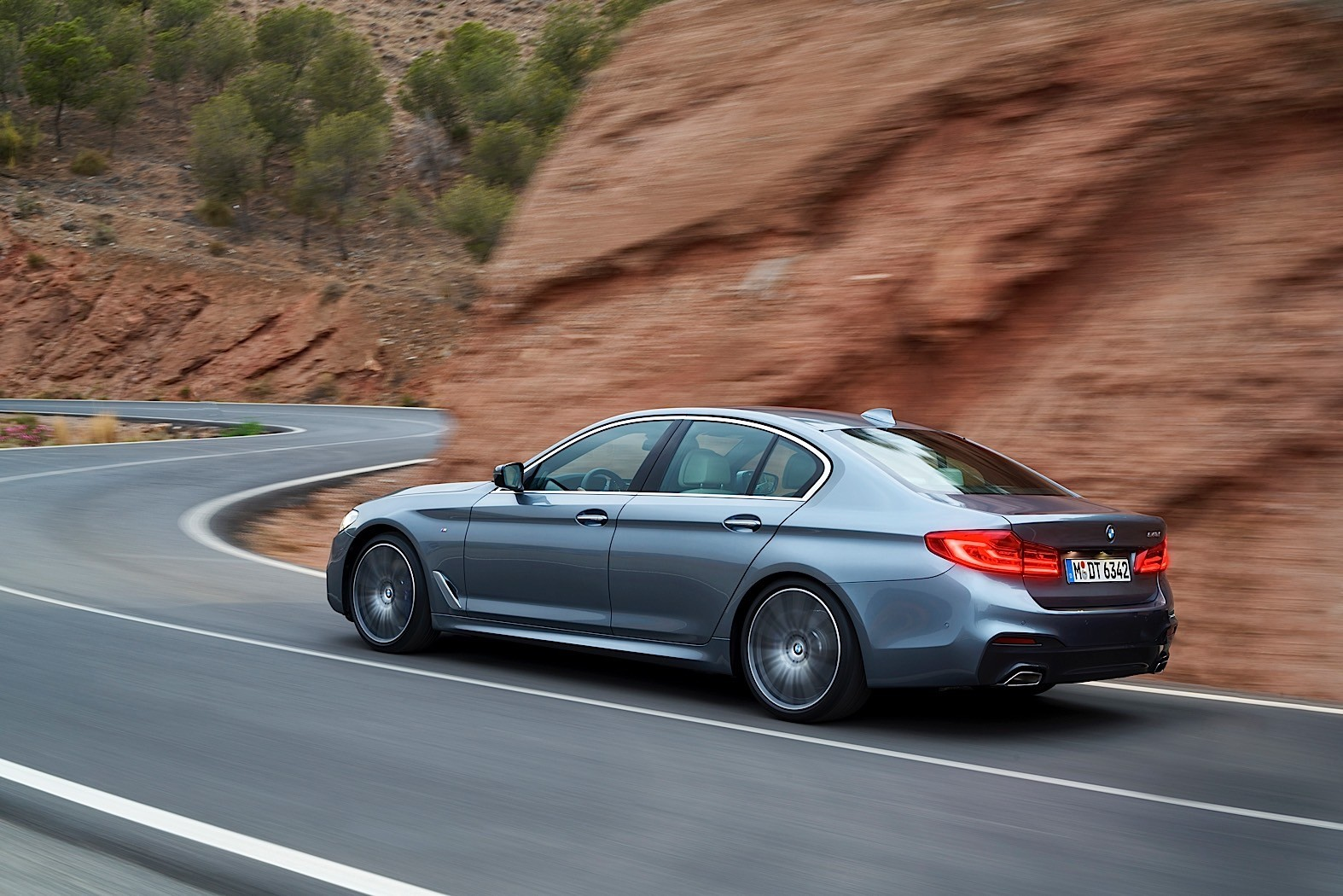 BMW Convertible bmw 5er g30 2017 BMW 5 Series (G30) Unveiled With New Engines, Modern Looks ...