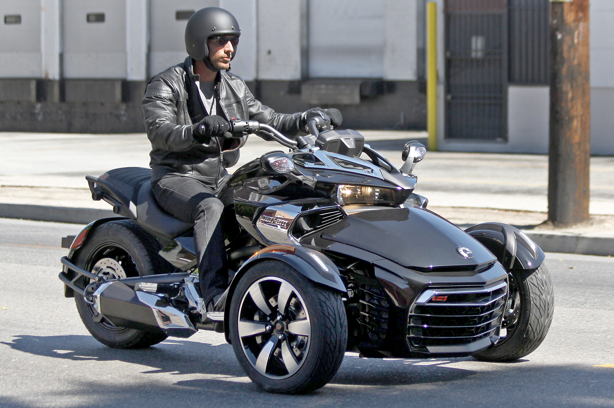 2015 can am spyder f3 first ride photos motorcycle usa autos post. Black Bedroom Furniture Sets. Home Design Ideas