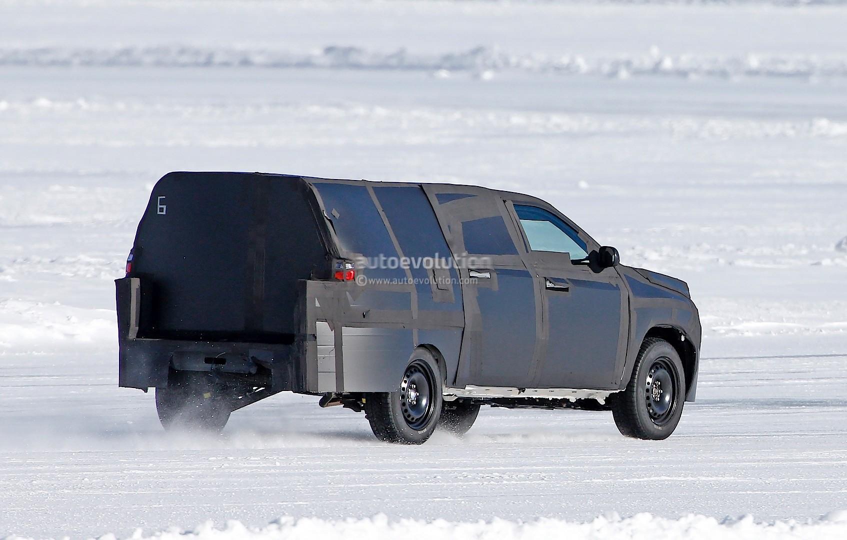 All New Dodge Dakota Mid Size Ram Pickup Truck Spied Testing Photo Gallery on Dodge Dakota Engine Size