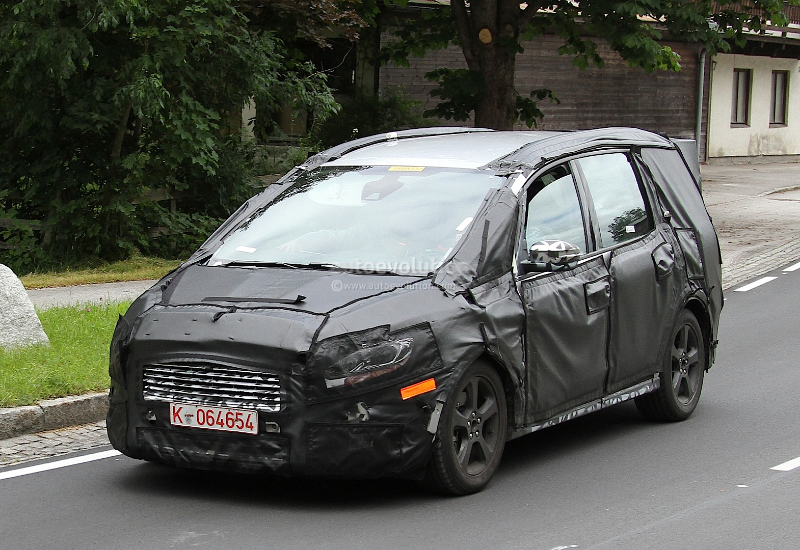 All New Ford Galaxy Spied For The First Time Autoevolution