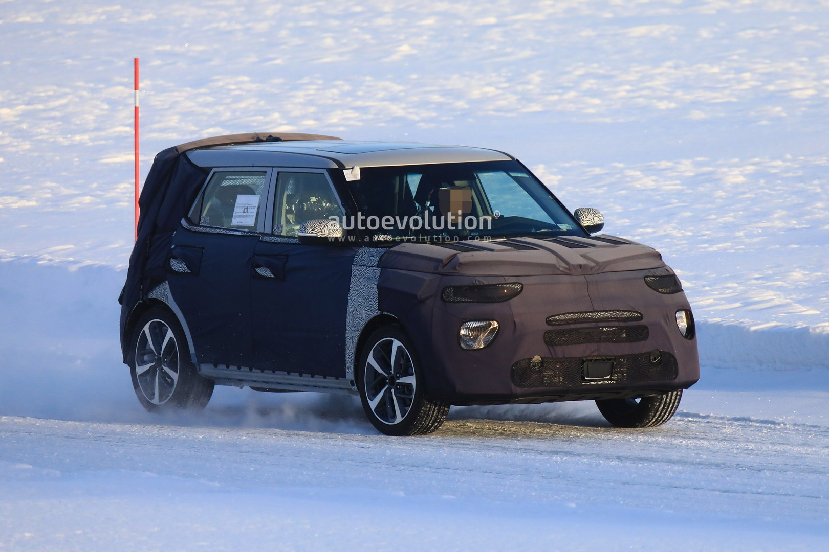 Kia Soul Awd >> All New Kia Soul Makes Spyshots Debut Should Have Awd Autoevolution