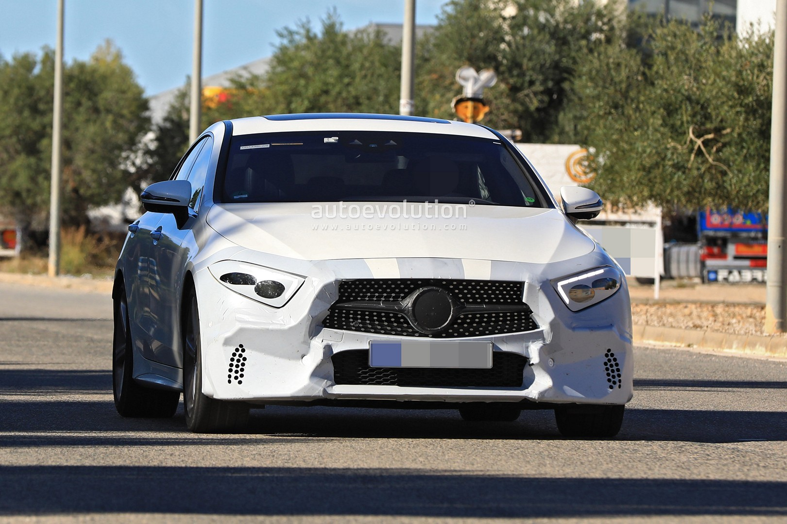 all-new-mercedes-cls-class-has-almost-no-camo-looks-pointy_1