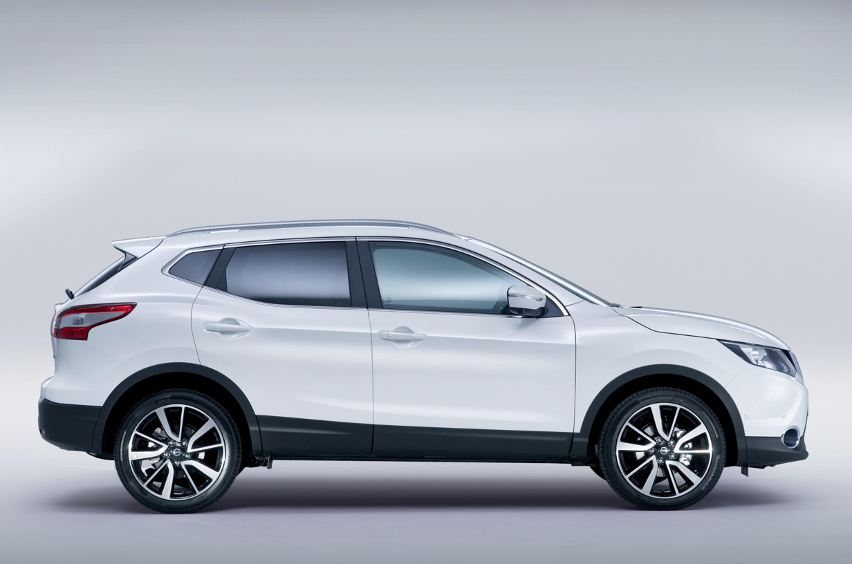 all new nissan qashqai uk prices and specs announced. Black Bedroom Furniture Sets. Home Design Ideas