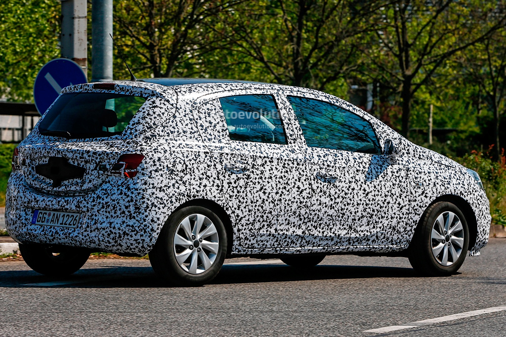 all new opel corsa e spied with led headlight accents and. Black Bedroom Furniture Sets. Home Design Ideas