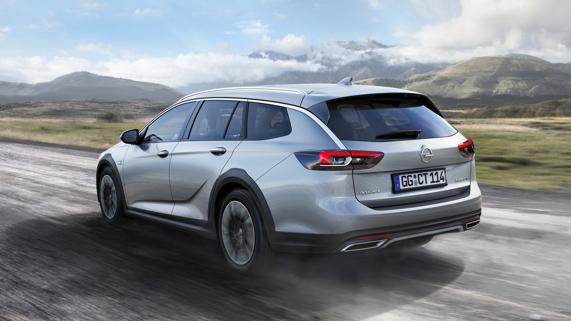 2018 opel insignia country tourer priced between golf and. Black Bedroom Furniture Sets. Home Design Ideas