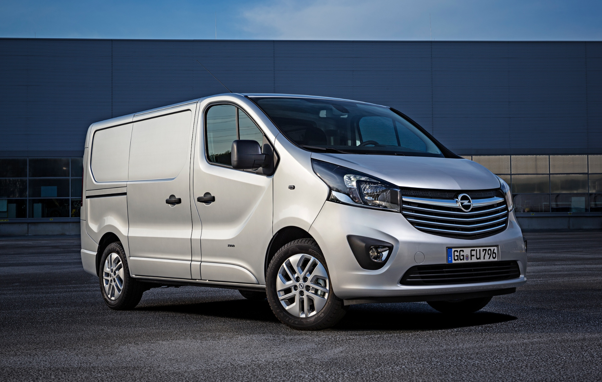 all new opel vivaro van goes on sale in europe autoevolution. Black Bedroom Furniture Sets. Home Design Ideas