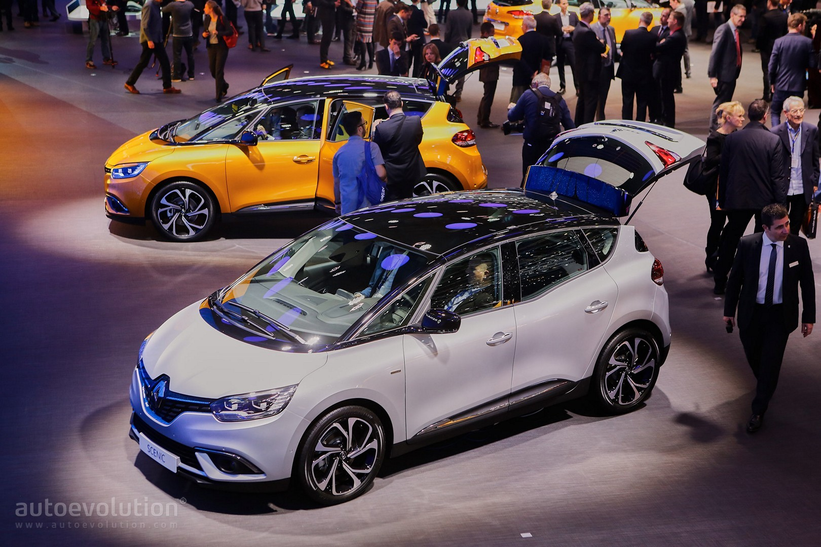 All-New Renault Scenic Is an Overdesigned MPV with Crossover Looks in Geneva - autoevolution