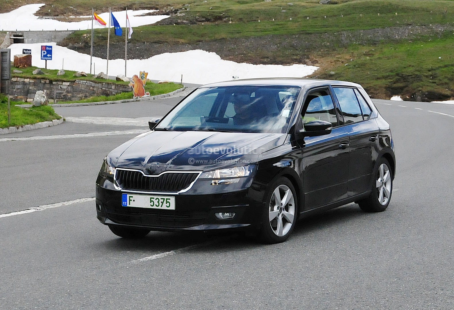 all new skoda fabia undergoing testing in the alps autoevolution. Black Bedroom Furniture Sets. Home Design Ideas