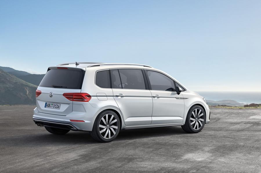 all new volkswagen touran unveiled with up to 190 hp autoevolution. Black Bedroom Furniture Sets. Home Design Ideas