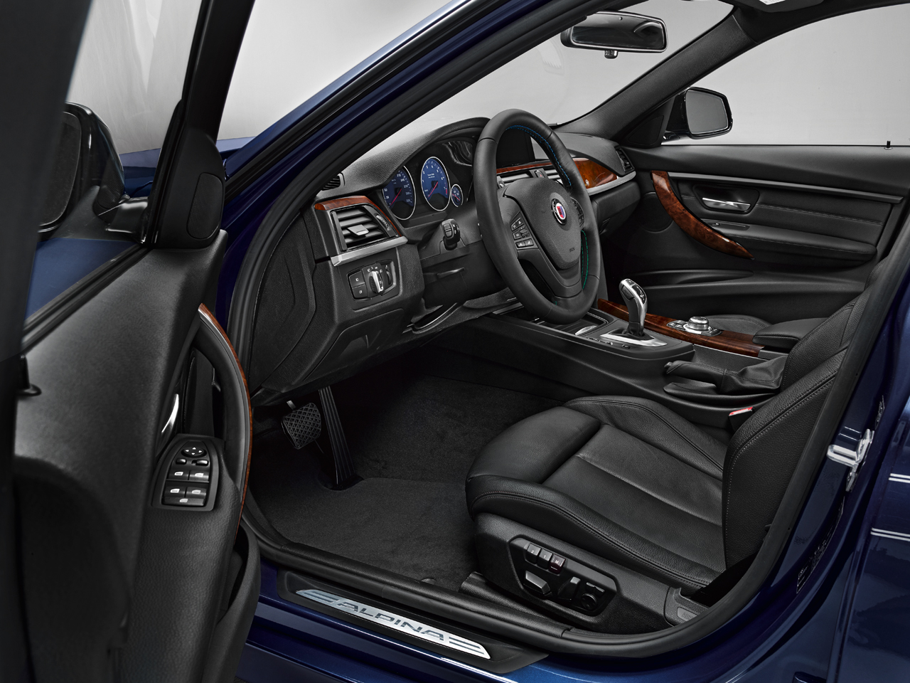 Alpina reveals full info on b3 biturbo autoevolution for Interieur 306