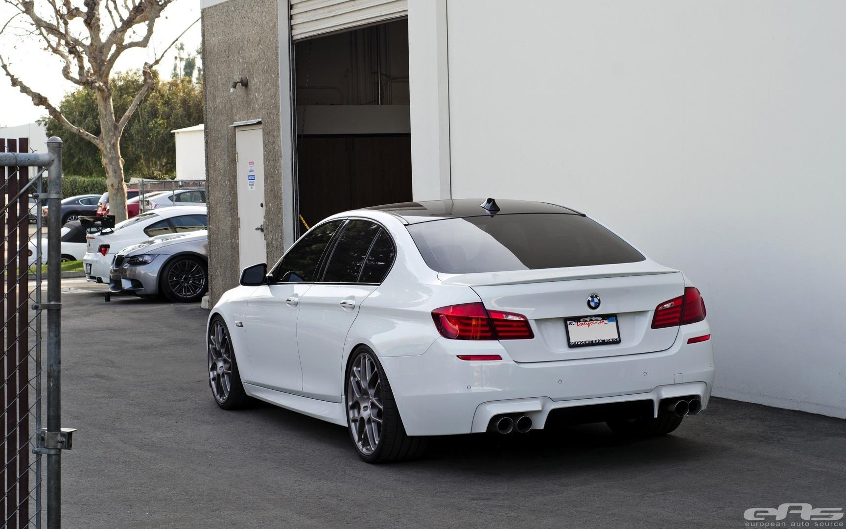 BMW 550I Alpine White