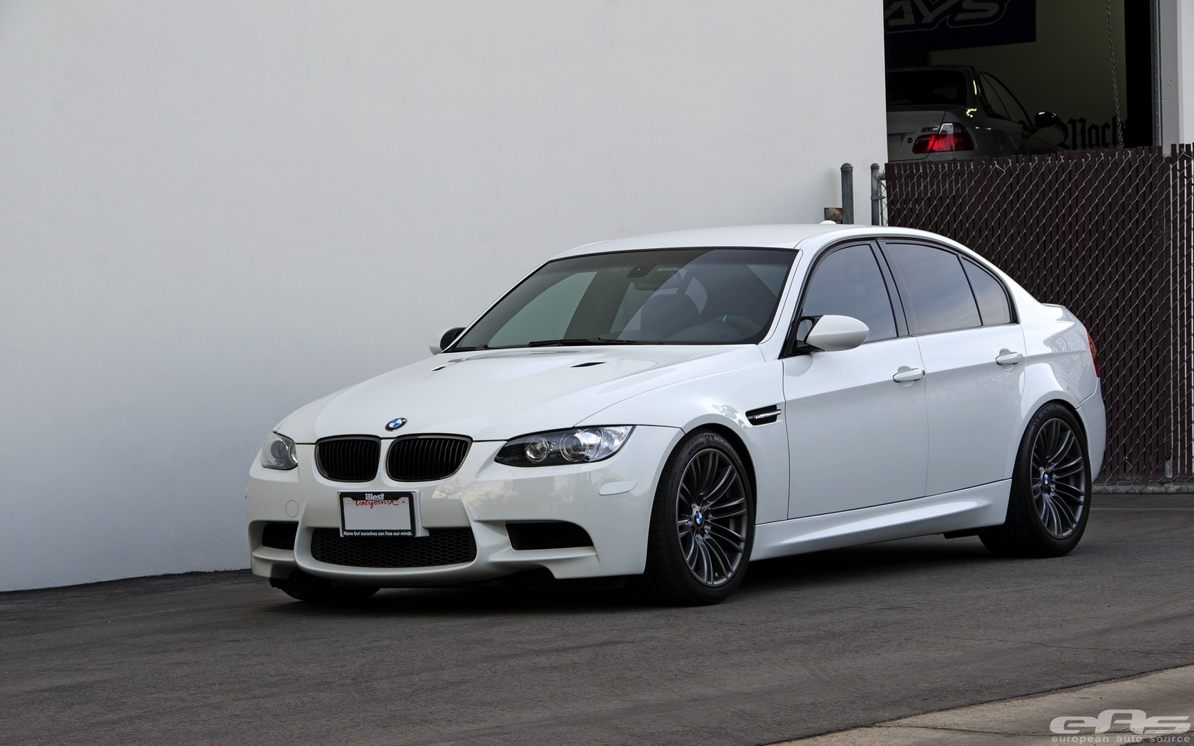 alpine white bmw e90 m3 rides clean autoevolution. Black Bedroom Furniture Sets. Home Design Ideas