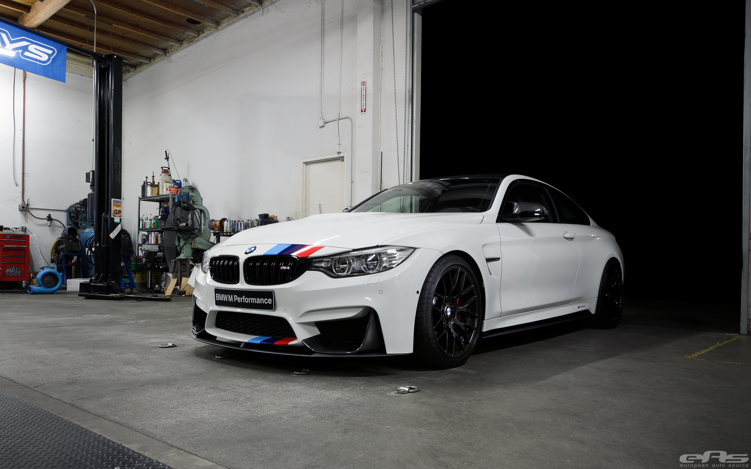 Alpine White Bmw M4 Featured In Bmw S Stand At Sema Was
