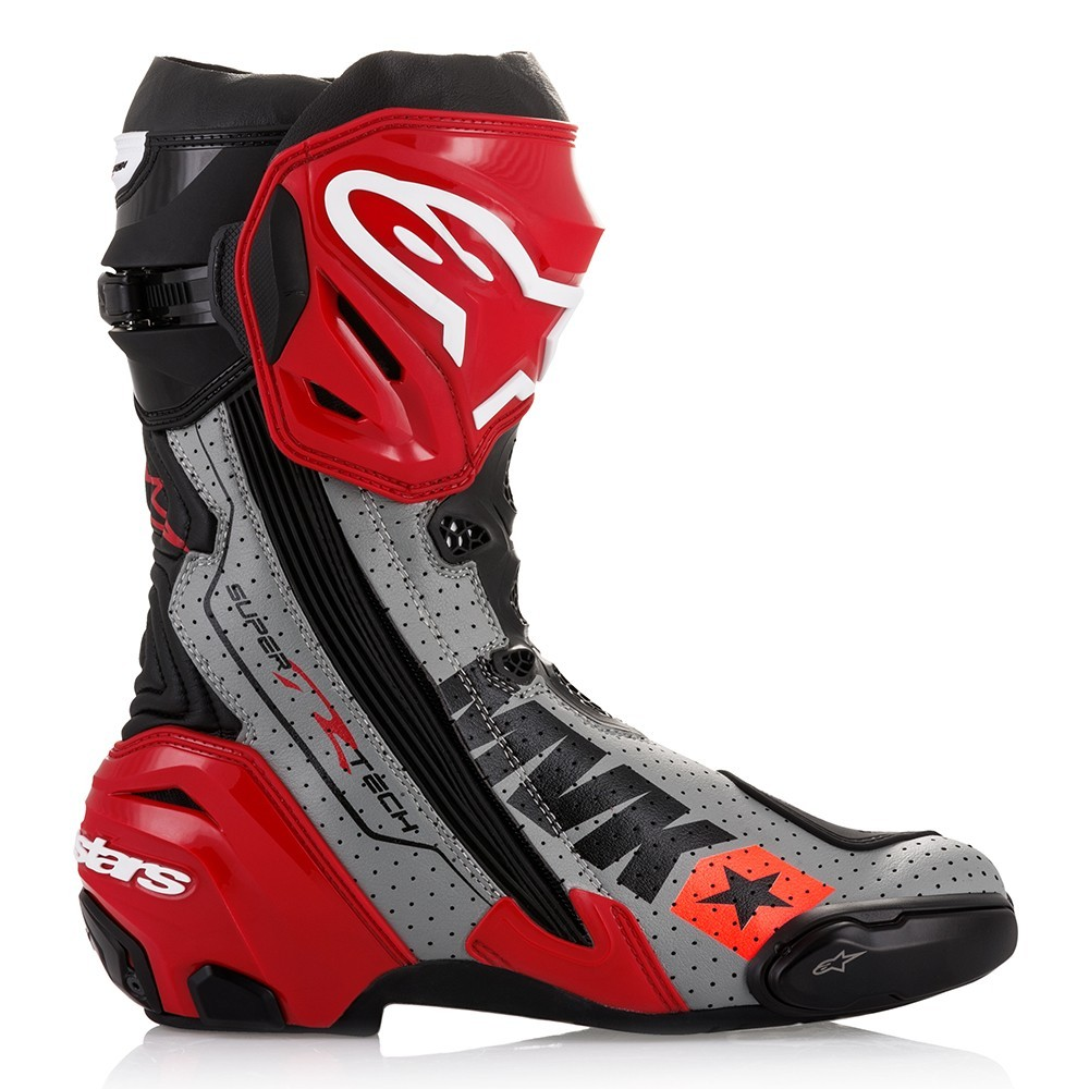 alpinestars puts out limited edition mach 1 supertech r boots autoevolution. Black Bedroom Furniture Sets. Home Design Ideas