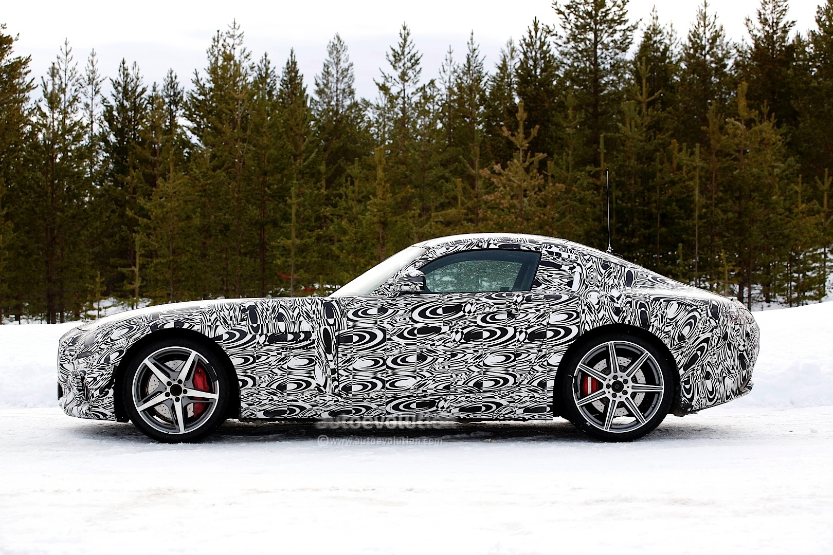 2014 - [Mercedes-AMG] GT [C190] - Page 5 Amg-gt-c190-benchmarked-against-porsche-911-turbo-s-photo-gallery_3