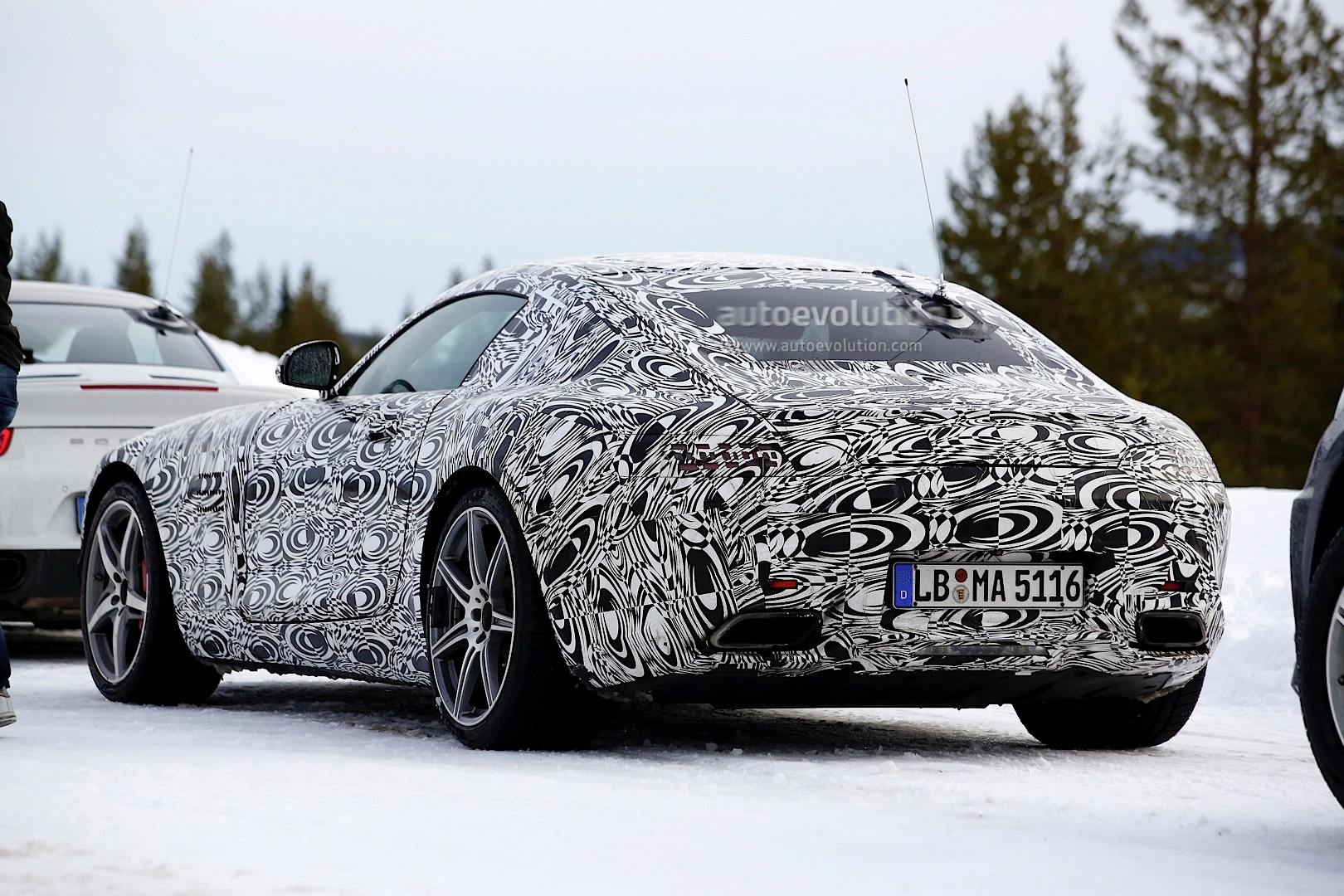 2014 - [Mercedes-AMG] GT [C190] - Page 5 Amg-gt-c190-benchmarked-against-porsche-911-turbo-s-photo-gallery_4