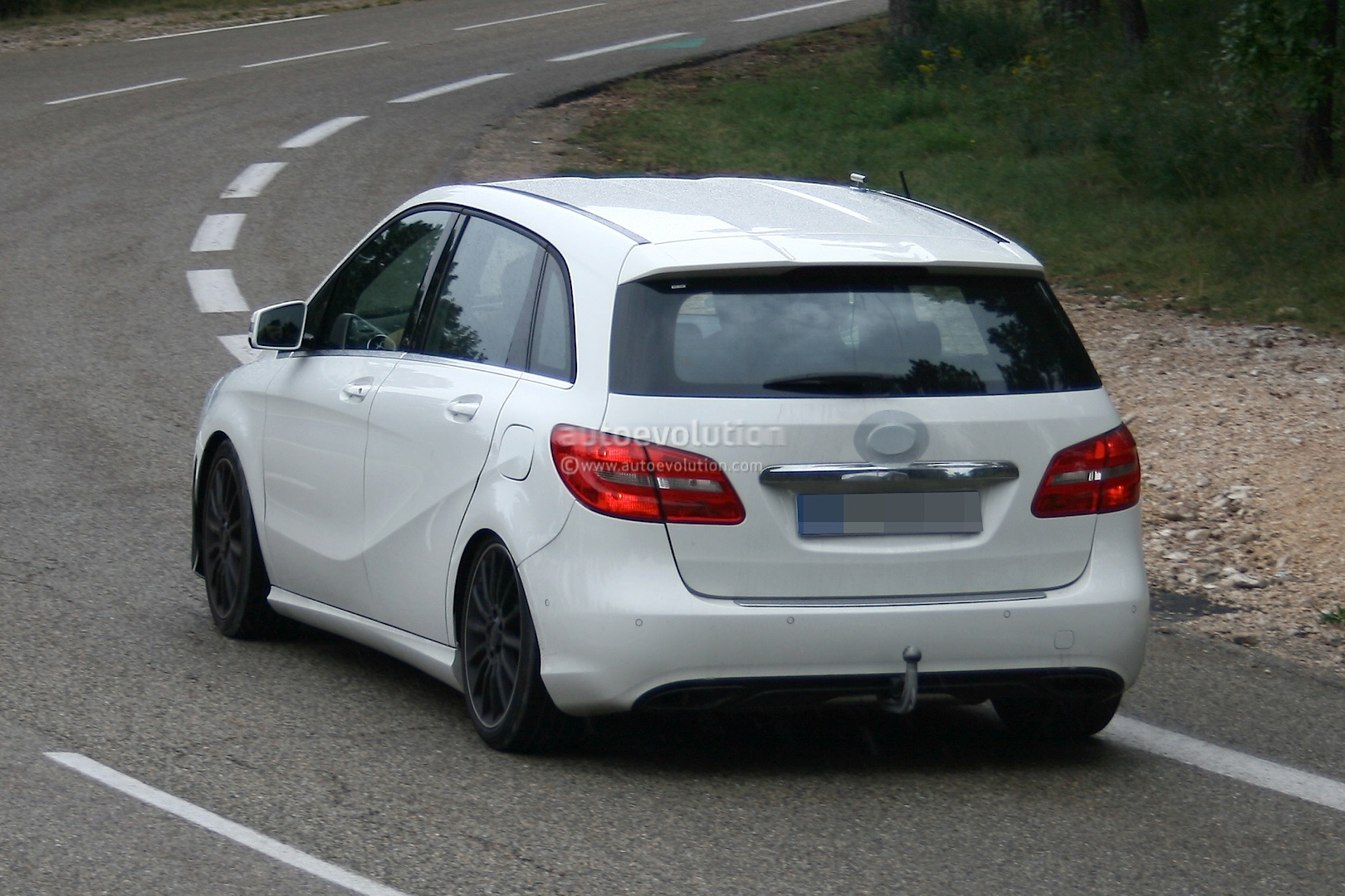 Amg version of the b class caught testing autoevolution for Mercedes benz emergency number