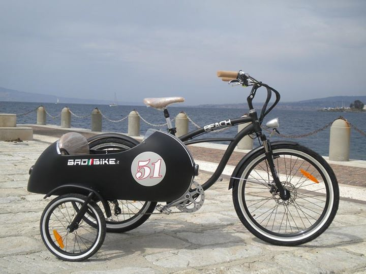 an electric sidecar bicycle how cool is that autoevolution. Black Bedroom Furniture Sets. Home Design Ideas
