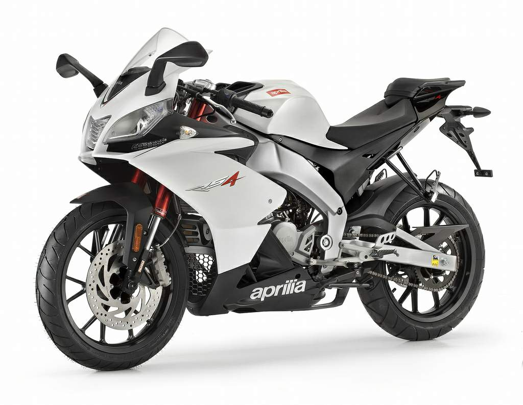 46 furthermore Aprilia Rs 125 Shows Its Upgrades For 2017 At Intermot 111850 together with Alonso Does Football Match Tv Ad With Eros Ramazzotti 19850 moreover 27251975785 in addition Periodic Table Wallpaper. on 2016 nissan maxima