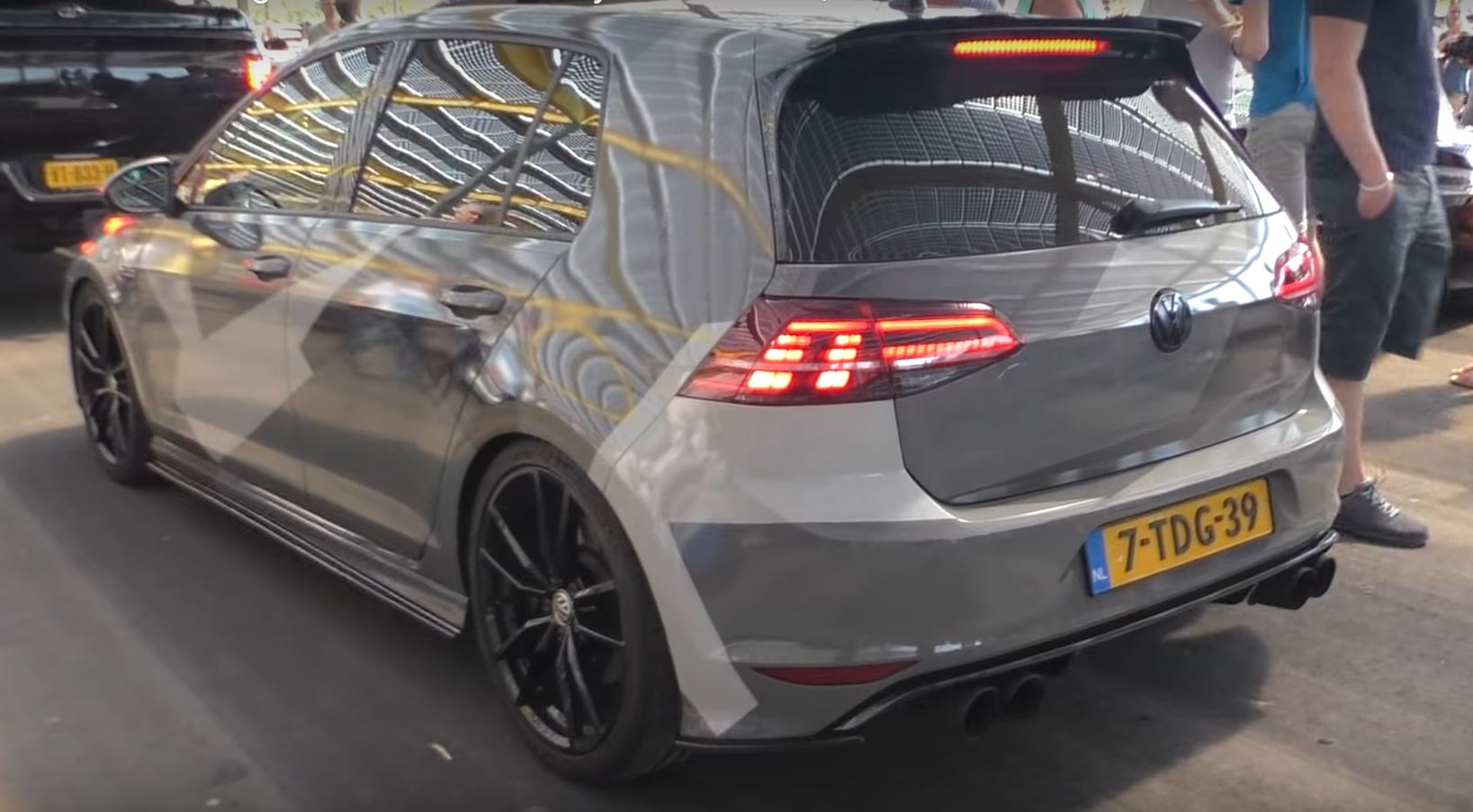 volkswagen golf vii r will cost less and produce 300 hp autoevolution. Black Bedroom Furniture Sets. Home Design Ideas