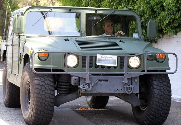 Arnold Schwarzenegger Drives His Green Hummer H1 to Lunch ...
