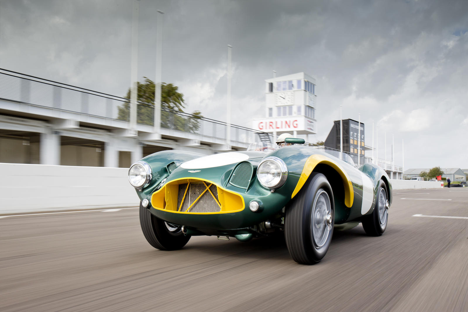 1953 Aston Martin Db3s Is A Magnificently Retro Racing Car Autoevolution