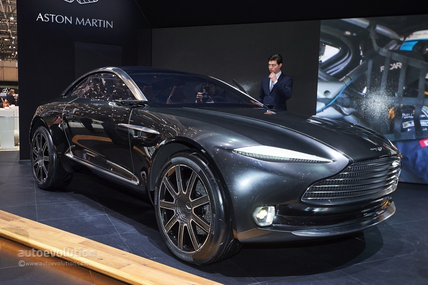 aston martin dbx goes official, £200 million funding approved