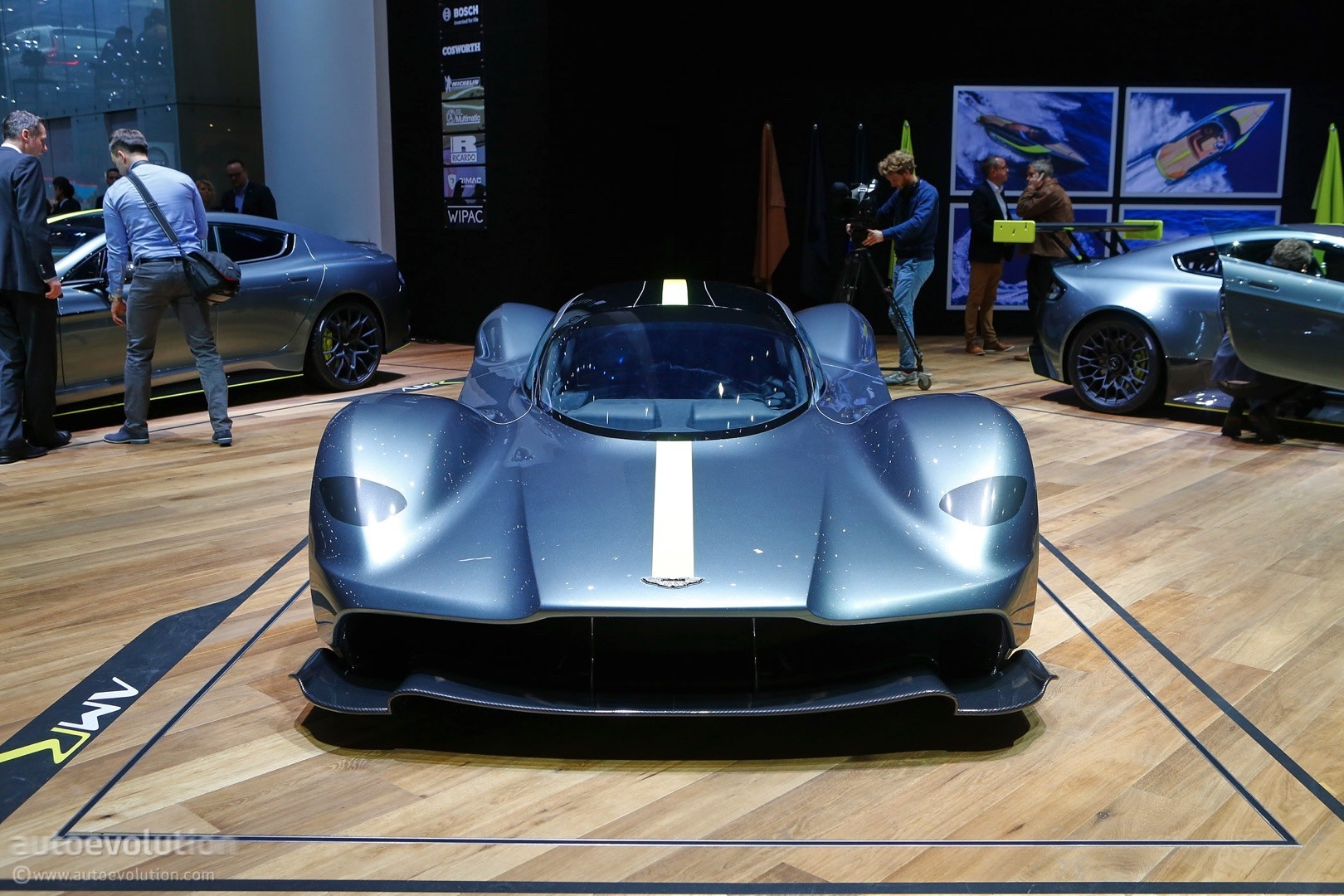 aston martin valkyrie hypercar finally shows off its headlights