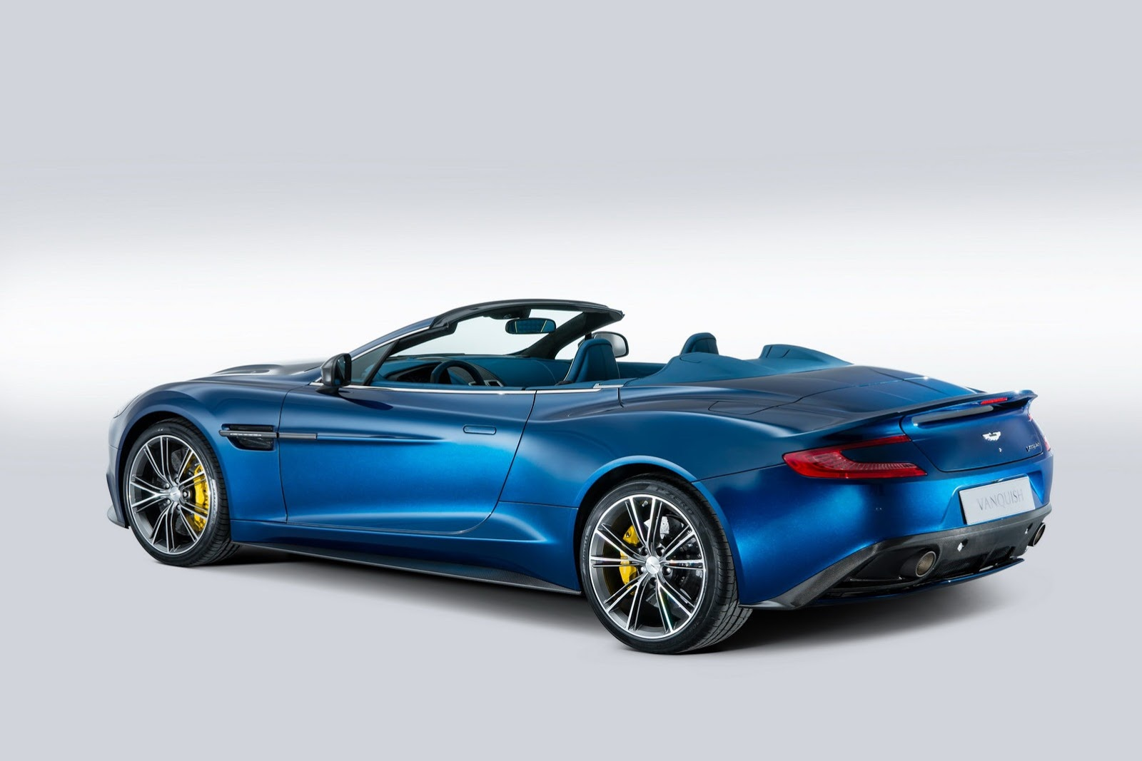 aston martin vanquish volante unveiled autoevolution. Black Bedroom Furniture Sets. Home Design Ideas