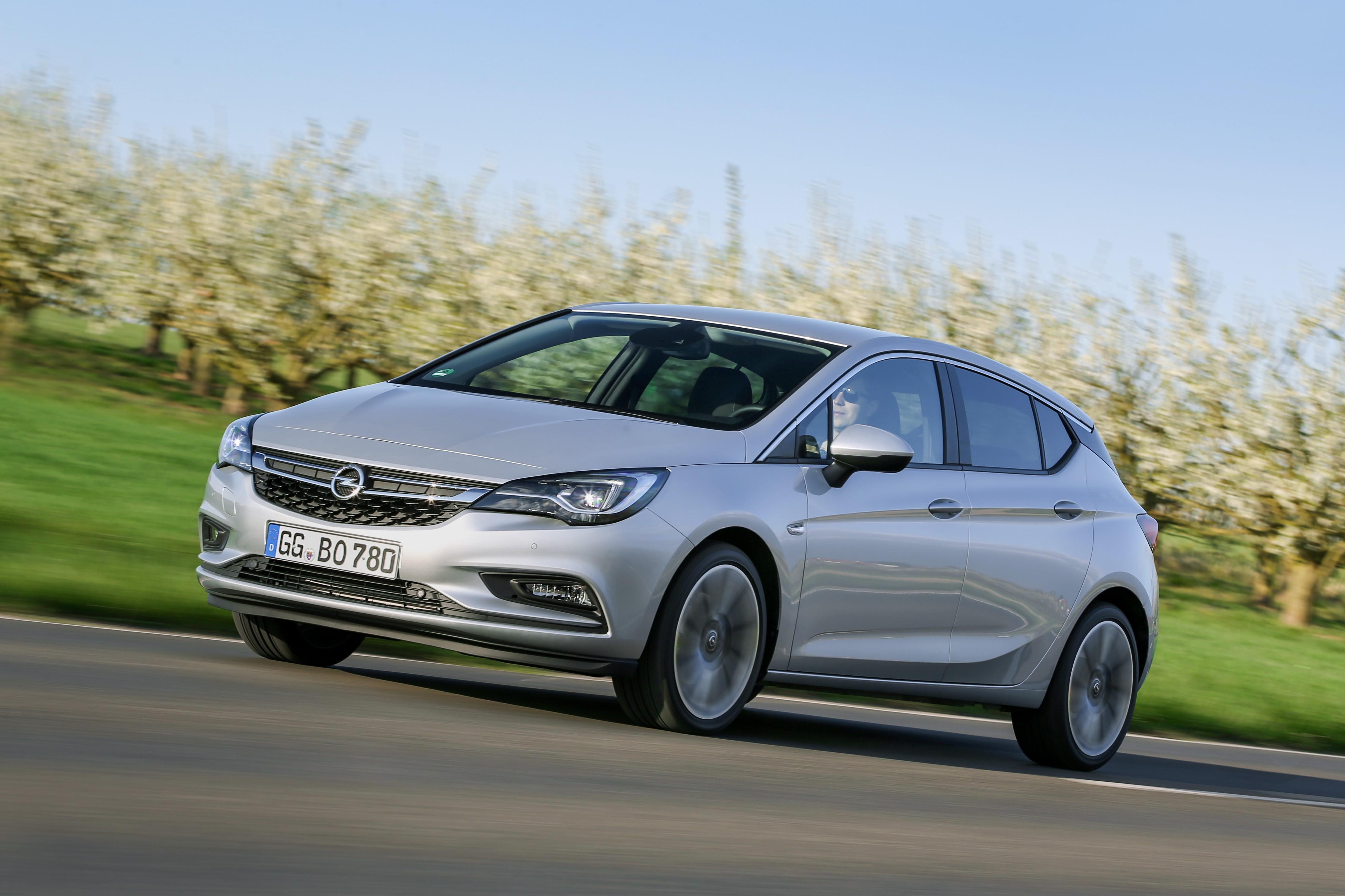 2016 Opel Astra BiTurbo CDTI Priced at €27,310 - autoevolution