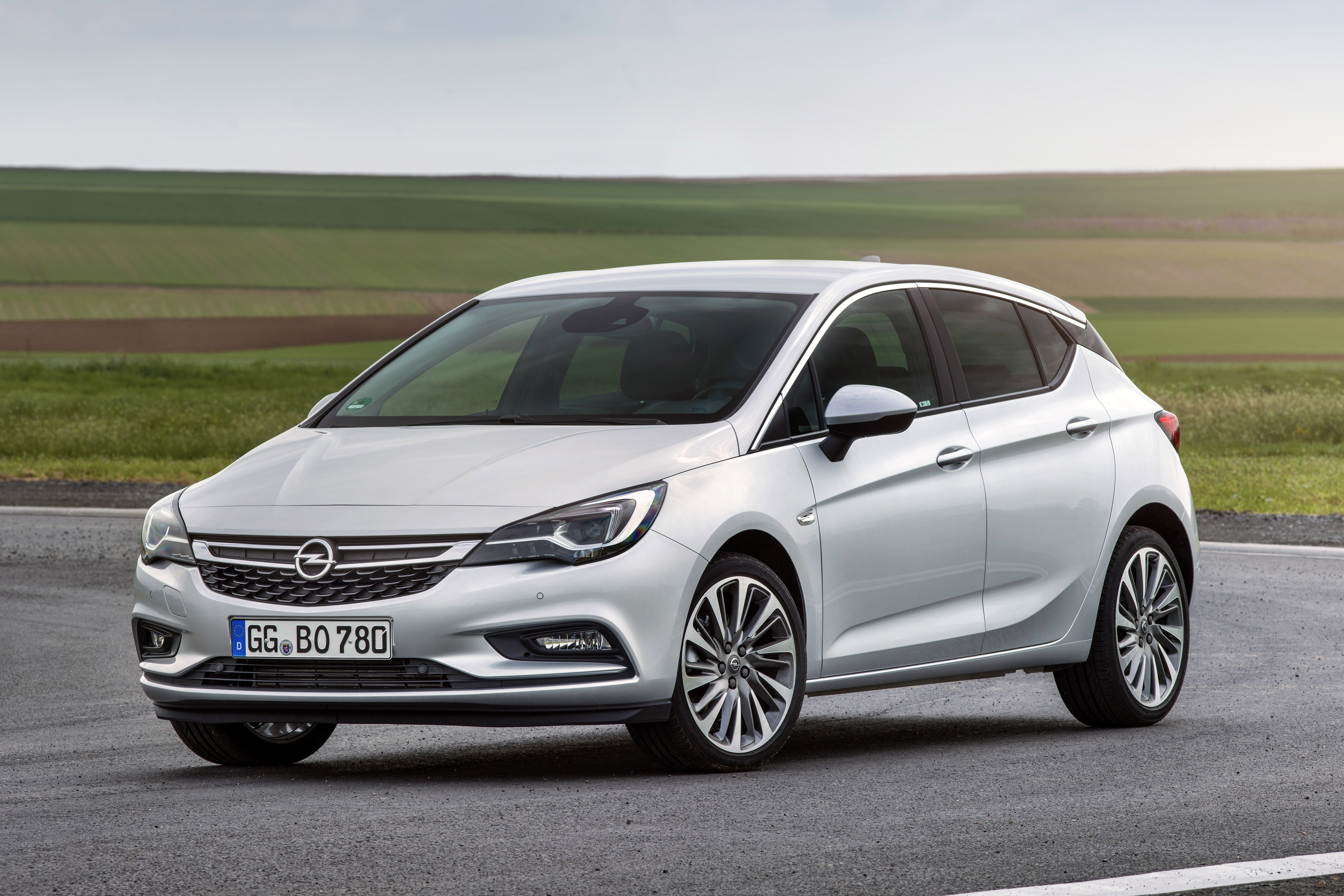 2016 opel astra biturbo cdti priced at 27 310 autoevolution. Black Bedroom Furniture Sets. Home Design Ideas