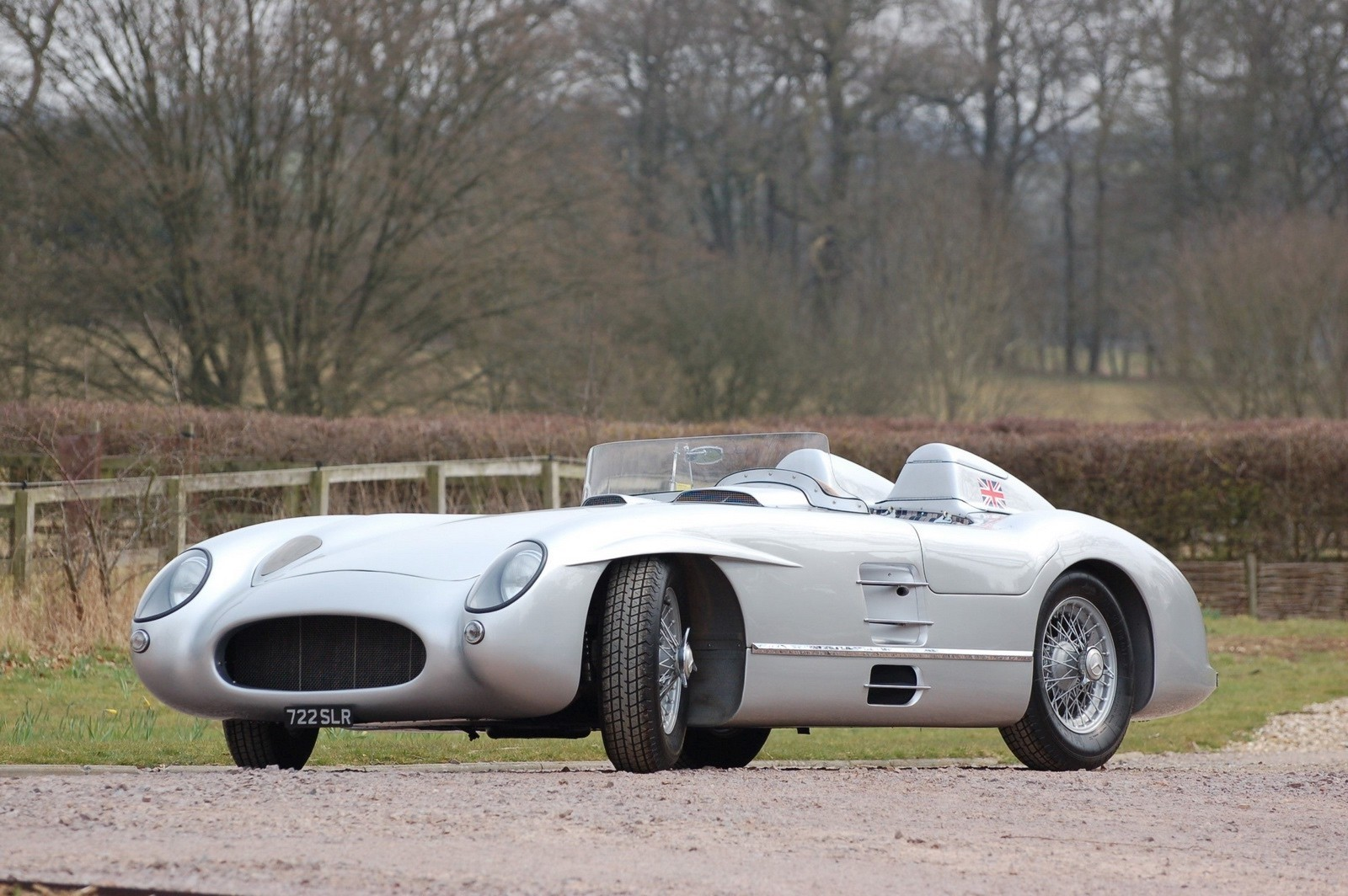 Auction House Will Sell a Mercedes-Benz 300 SLR Recreation ...